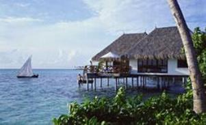 Отель Four Seasons на острове Куда Хураа (Атолл Мале)