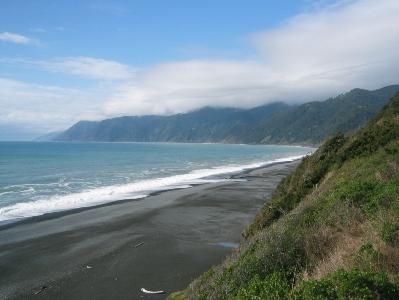Пляж с черным песком, Затерянный Остров, Калифорния