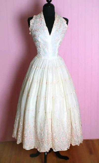 Королевское жемчужное платье