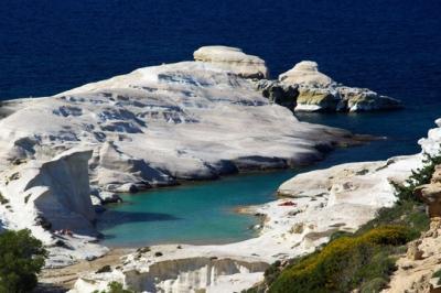 Пляж Саракинико на острове Милос